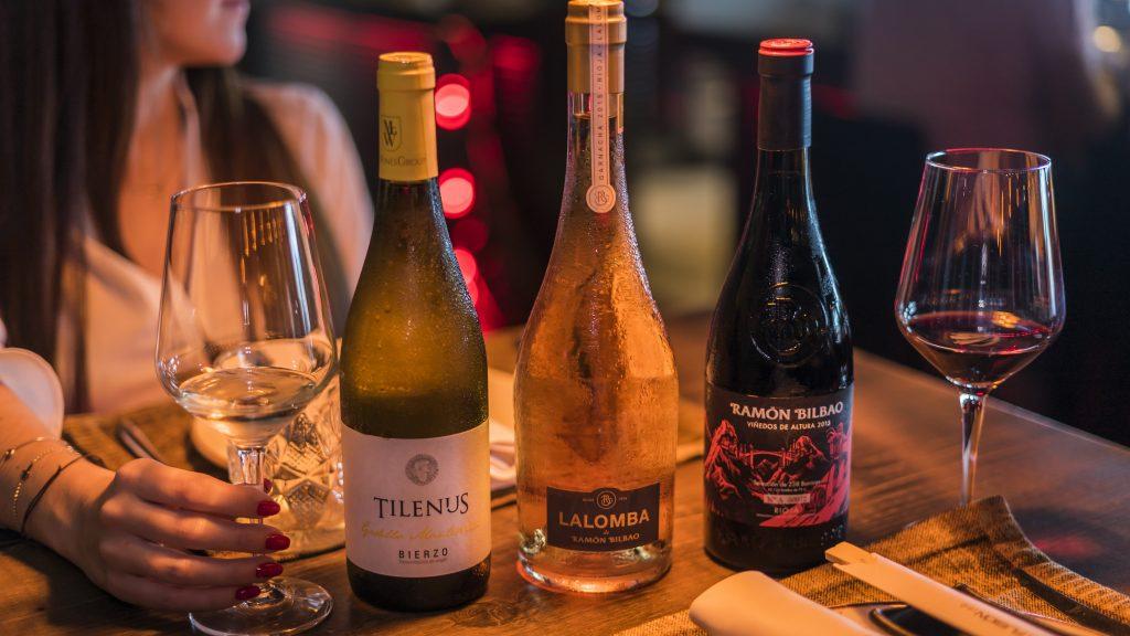 Vino tinto vino blanco vino rosado Vela Beach Torrevieja